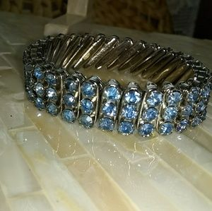Vintage Silver Tone Stretch Bracelet